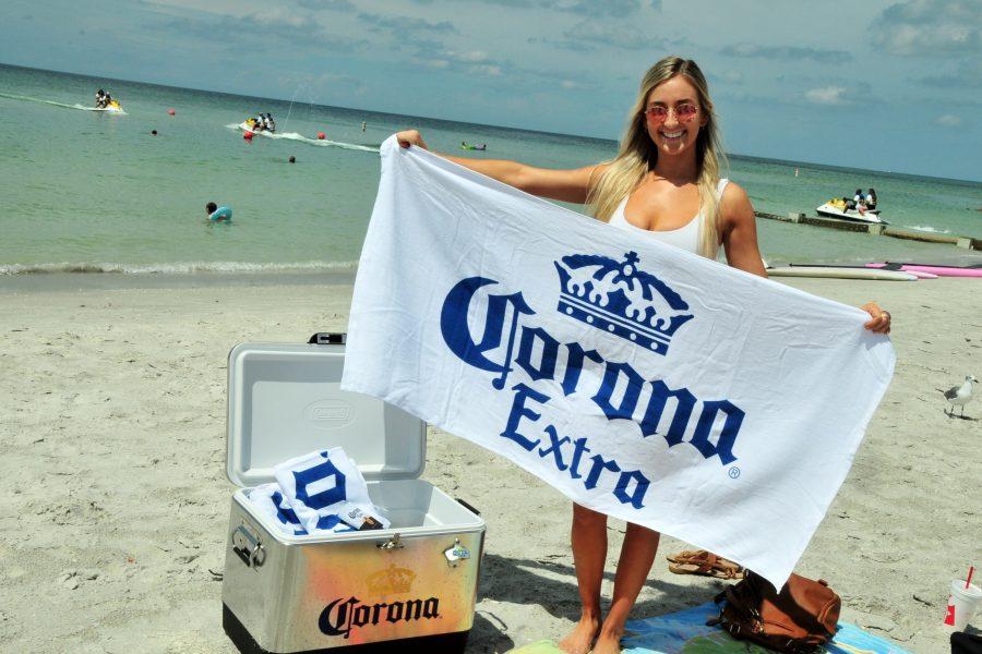 Klink & Corona Beach Delivery